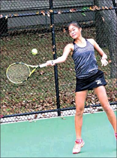 Tennis Team Advances in State Tournament